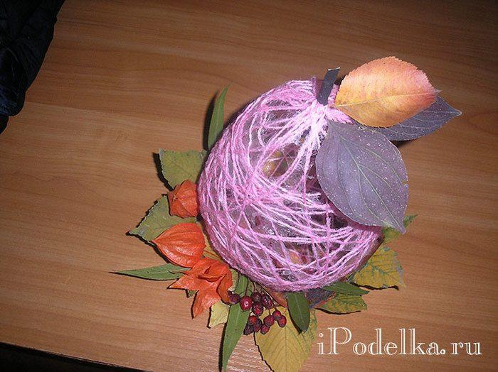 Осенняя поделка с листьями Груша на тарелке