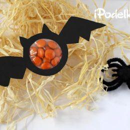 Летучая мышь — подарок на Хэллоуин