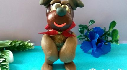 Как сделать собачку из каштанов и пластилина